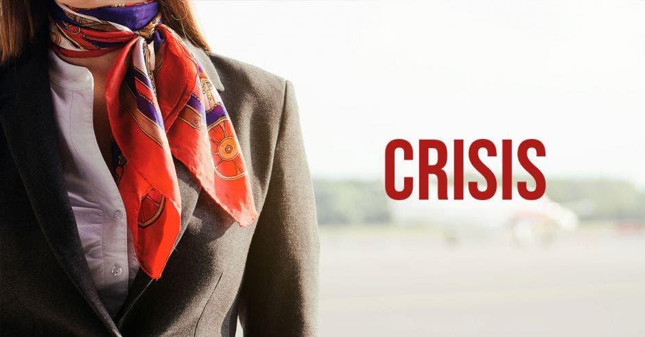 Una mujer con una bufanda sobre un fondo de aviones