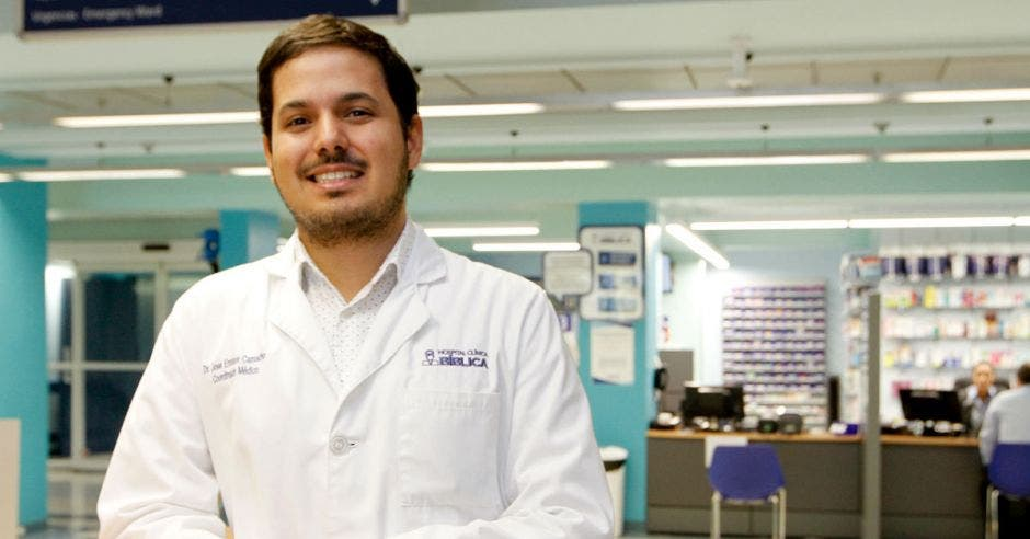 José Enrique Camacho, jefe de Chequeo Médico del Hospital Clínica Bíblica.