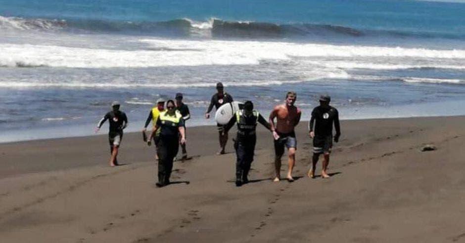Detención de surfista