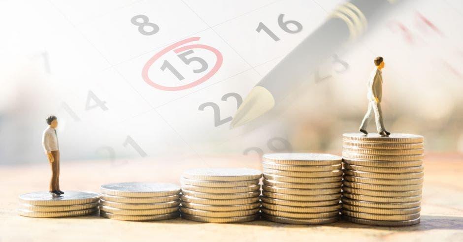 El gobierno propuso un proyecto para cobrar un impuesto solidario a los salarios por encima de un ¢1 millón. Archivo/La República.