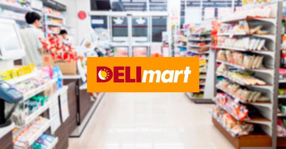 Una tienda de conveniencia junto al logo de Delimart
