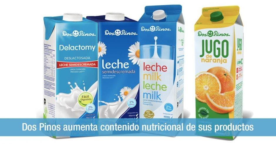 Tres cartones de leche y un cartón de jugo de naranja