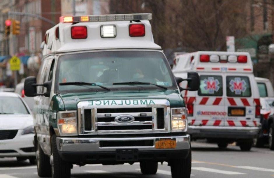 Dos ambulancias en las carreteras de Nueva York