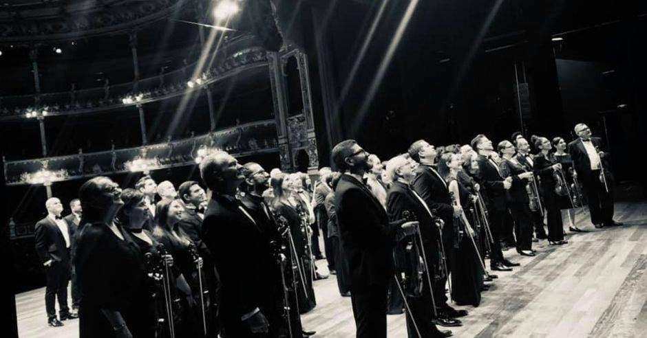 Orquesta Sinfónica en el Teatro Nacional