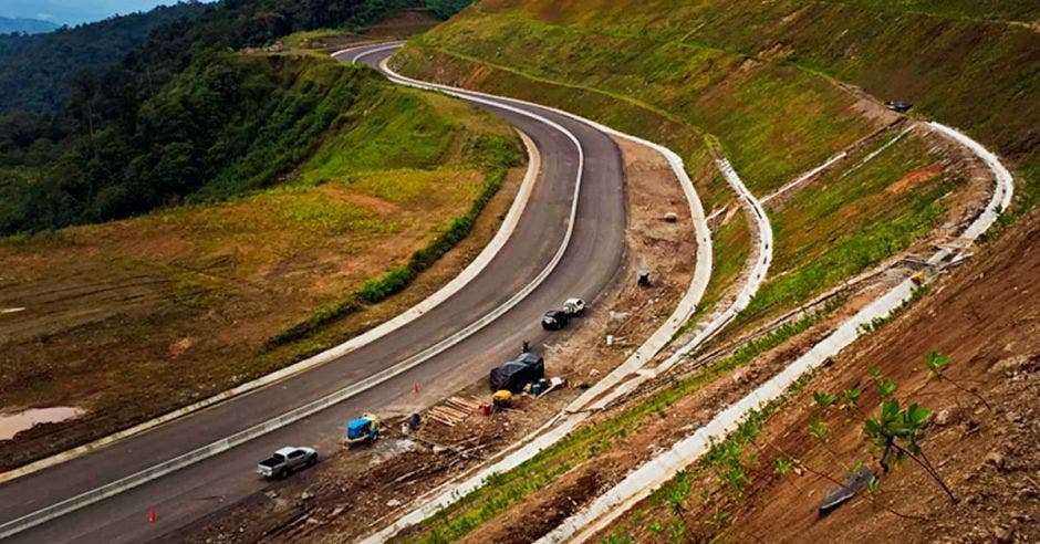 Tramo de la nueva carretera a San Carlos