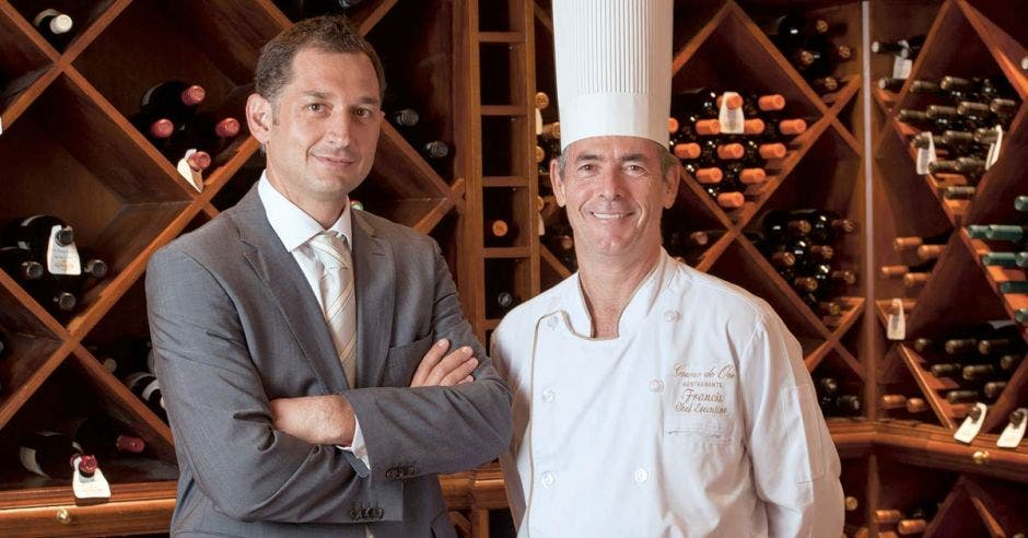 Ciro de Angelis, Co propietarios de Hotel & Restaurante Grano de Oro, con el chef Francis Canal.