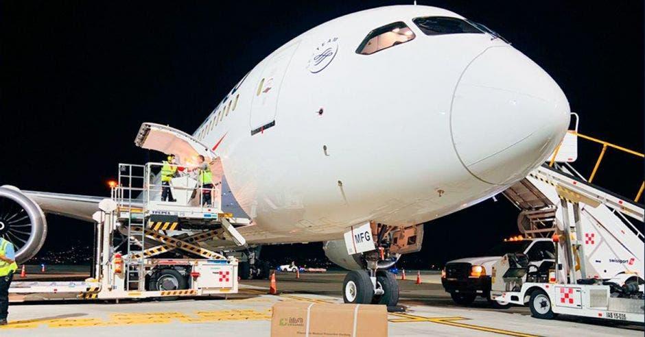 787 de Aeroméxico en el aeropuerto Juan Santamaría