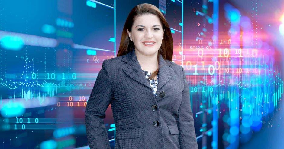 Ana Lucía Ramírez  Directora ejecutiva  Infocom