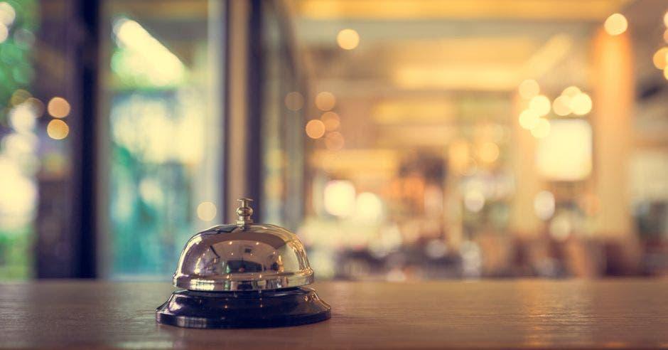 Una campanilla en una recepción