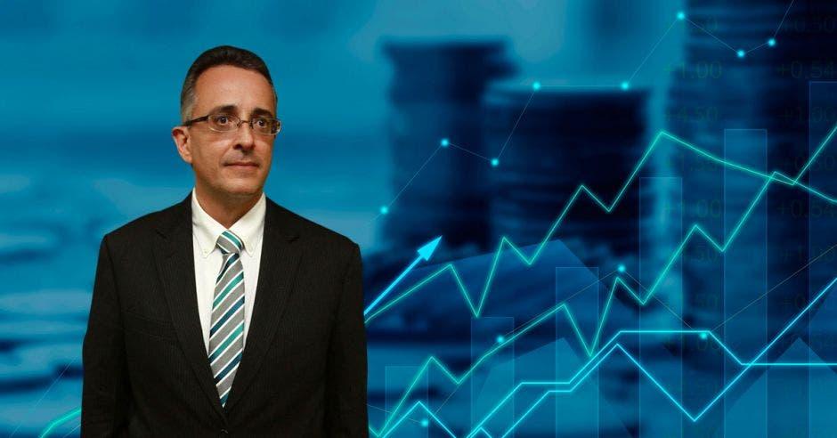 Y es que BN Fondos revolucionó el mercado, abriendo la posibilidad para que los pequeños y medianos inversionistas, accedan al mercado de valores, con montos iniciales de ¢5 mil o $20 dólares, según Pablo Montes de Oca, Gerente General de BN Fondos. Archivo- Shutterstock/La República.