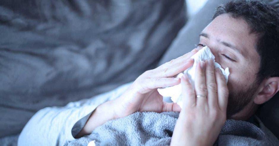 Una persona resfriada