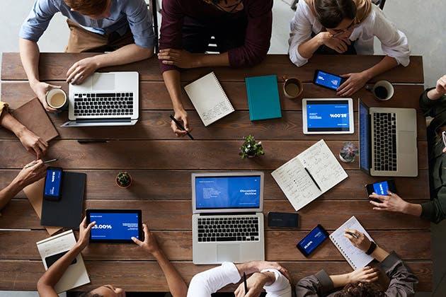 Personas en una reunión