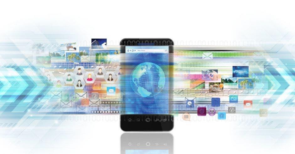 Un celular con datos activados