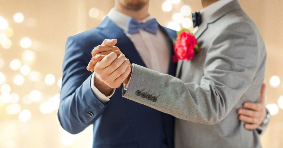 El matrimonio igualitario dará a las personas del mismo sexo los derechos que hoy gozan las parejas heterosexuales en cuanto a la división de bienes en caso de separación, adopciones y herencia, entre otros derechos. Shutterstock/La República.