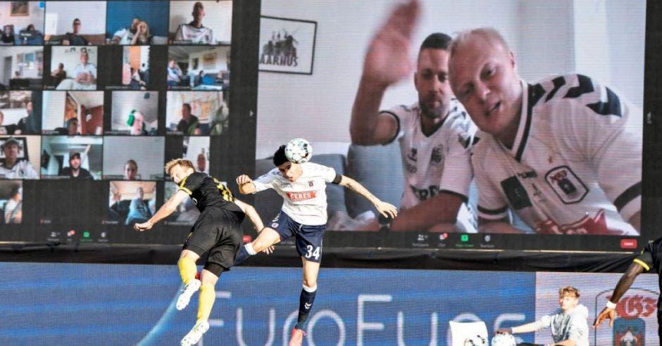 futbol y pantallas