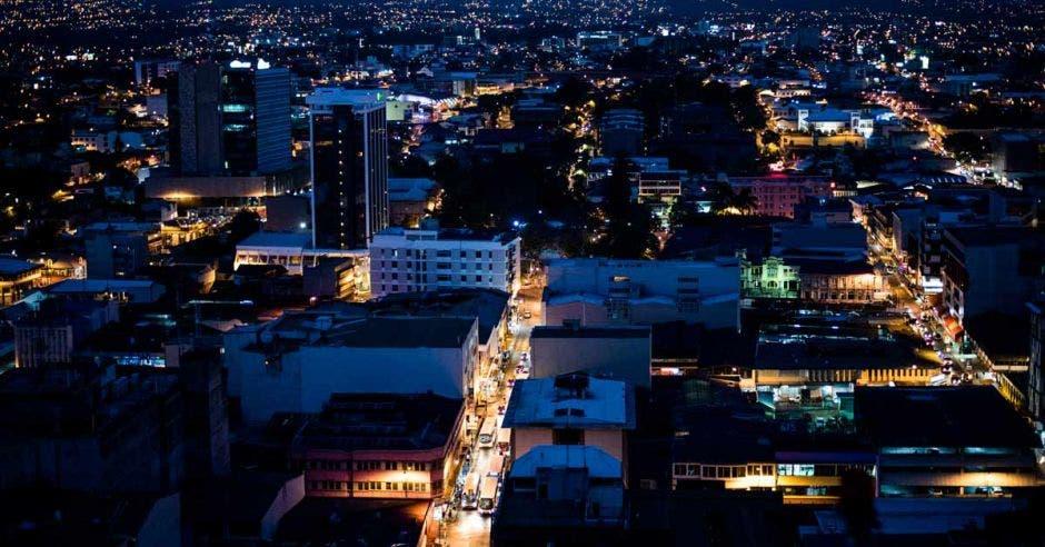 Vista áerea de San José de noche