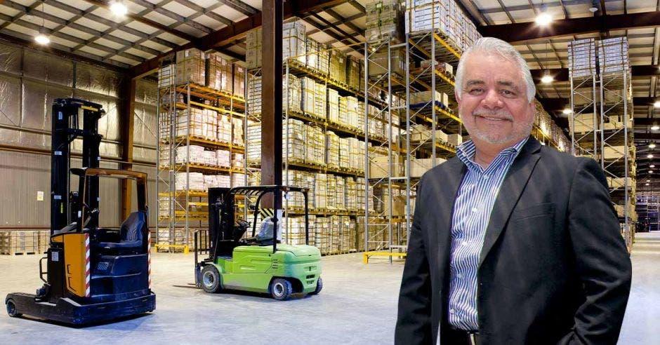 """""""Los parques logísticos te permiten ya sea crecer o disminuir en las operaciones, según las necesidades"""", dijo Randall Fernández, Zentral Real State Partners. Archivo/La República"""