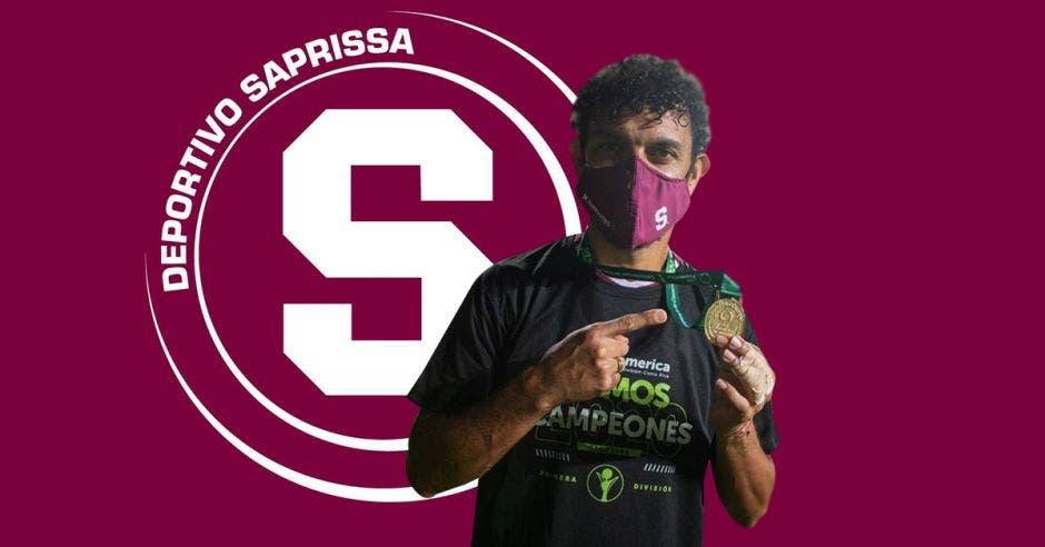 Michael barrantes celebra como campeón