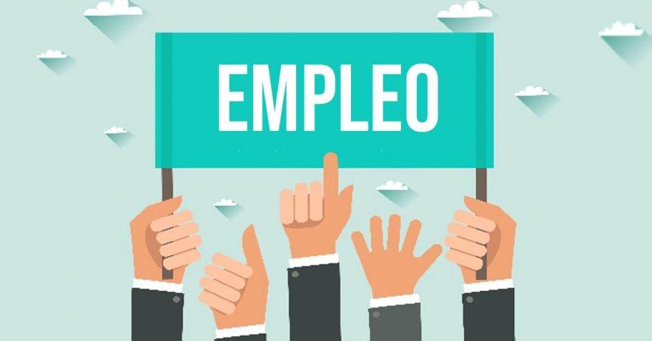 Manos levantadas sostienen cartel de empleo