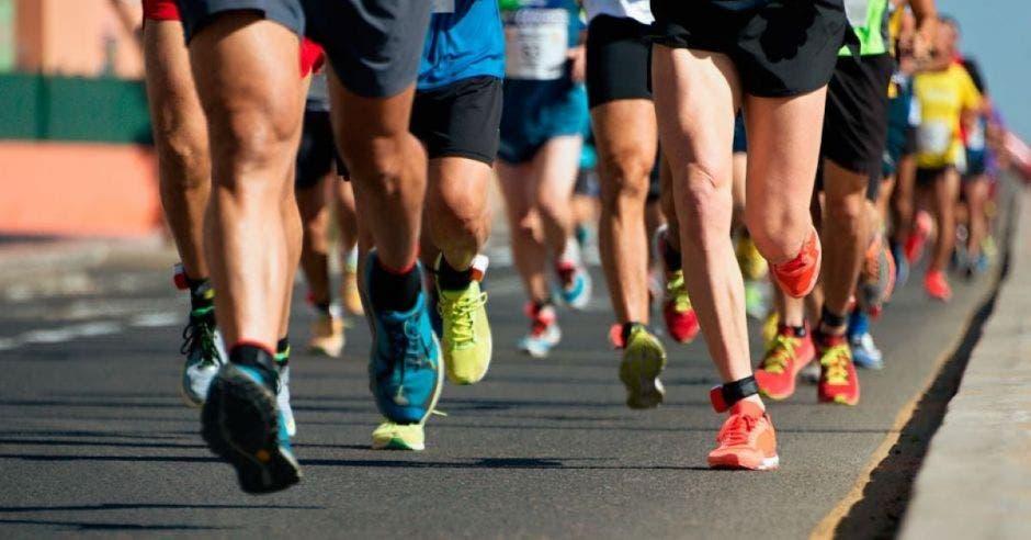 múltiples piernas en una carrera