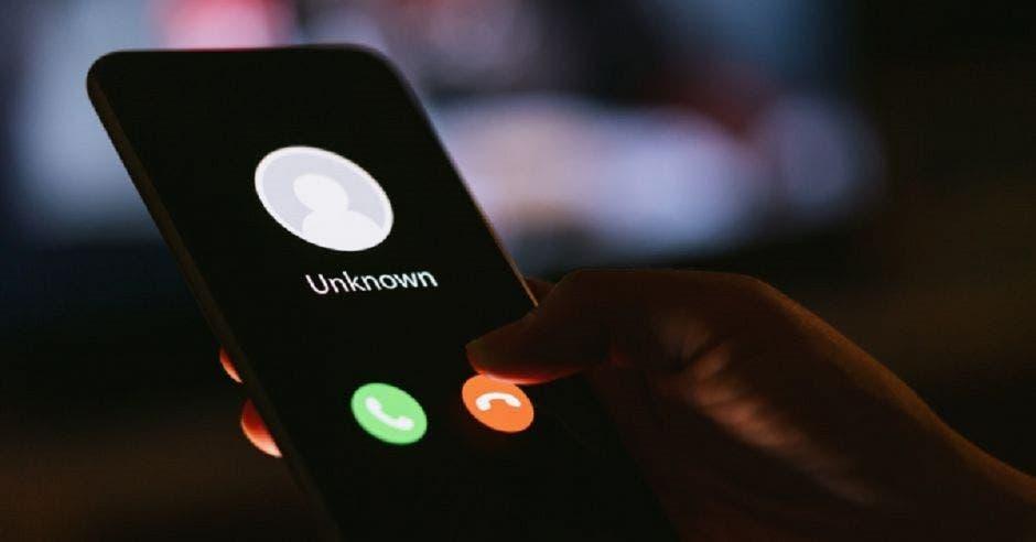 Celular con llamada de un número desconocido