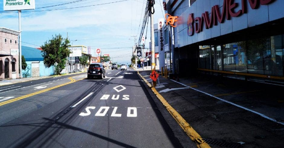 Carril con exclusivo escrito