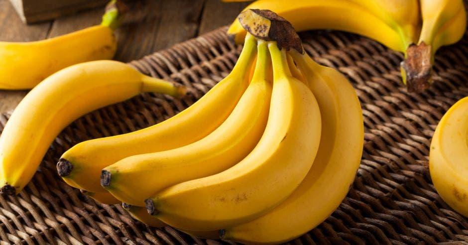 Un racimo de bananos