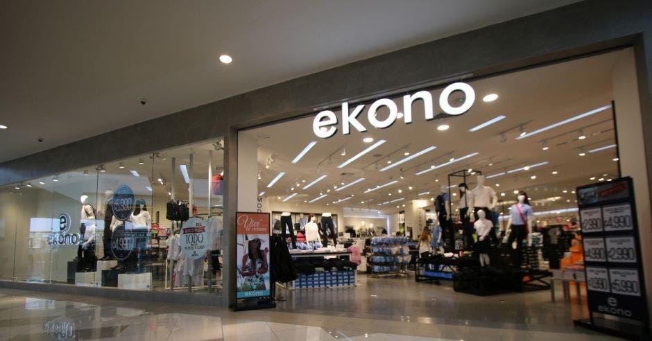 Vitrina de una tienda de Ekono