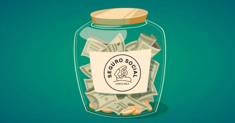 Alcancía con logo de la Caja con dinero adentro