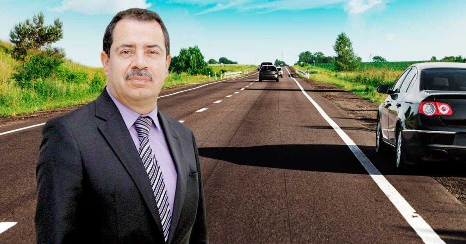 Arte de Mario Redondo con carretera de fondo