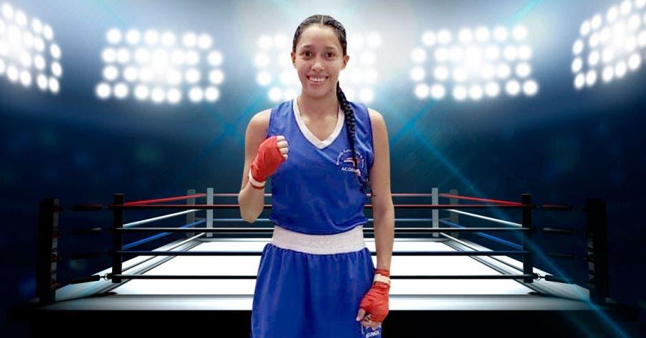Mujer uniformada para boxear frente a un cuadrilátero