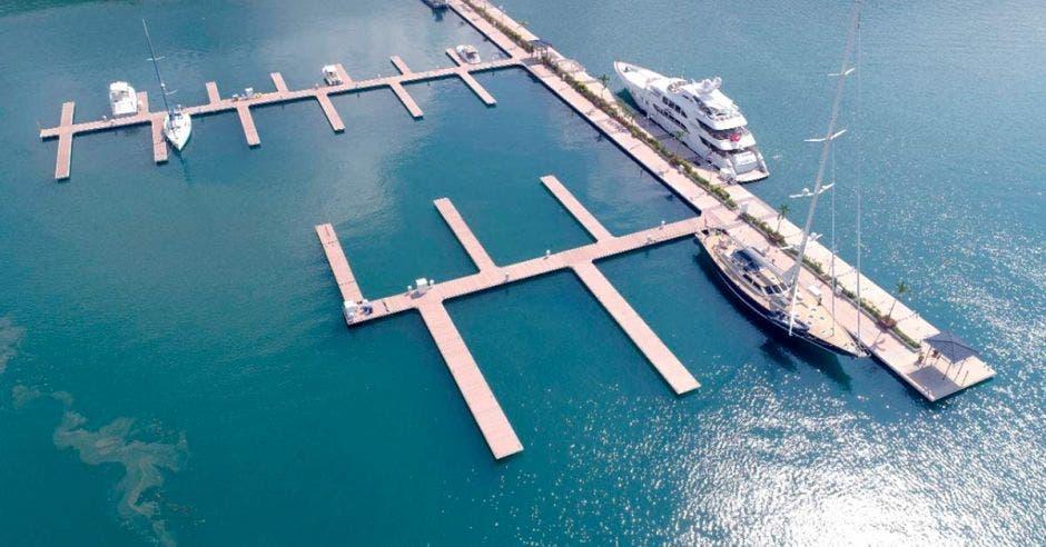 Foto aérea de ma marina de Golfito