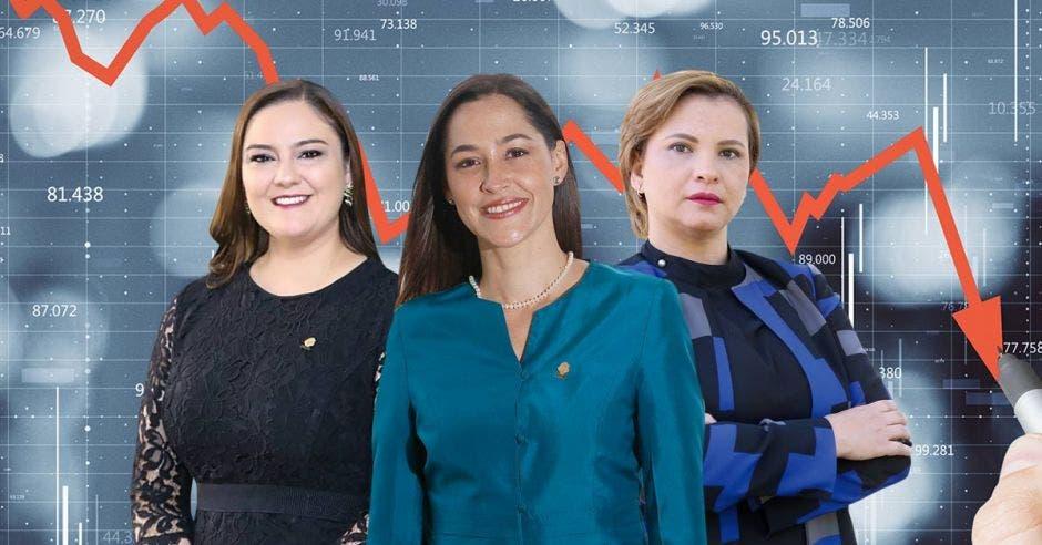 Tres mujeres posan en fotografía