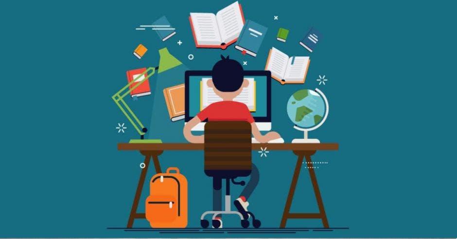 Persona sentada frente a una computadora