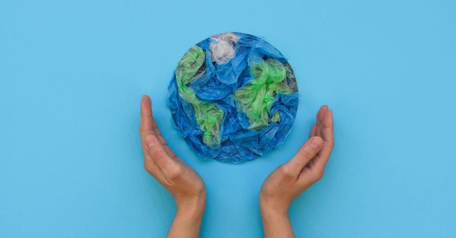 Vemos un mundo hecho a partir de bolsas plásticas