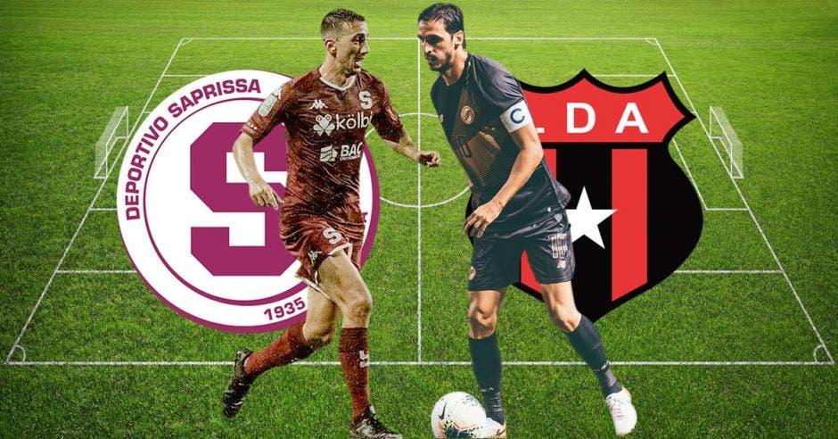 dos futbolistas con escudo de fondo de Saprissa y Alajuelense