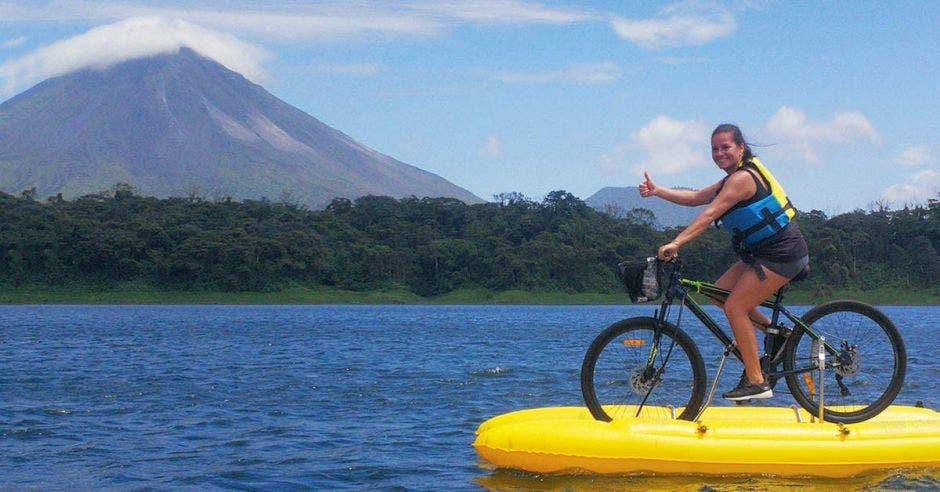 tour bici lago