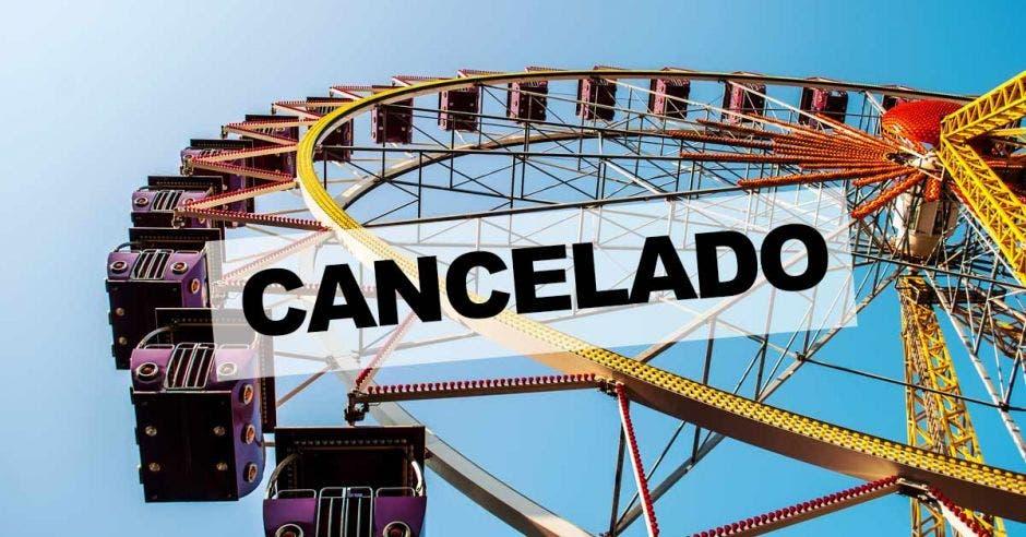 Cancelado escrito en parque de diversiones