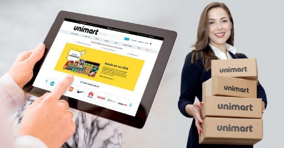 Adriana Pulido, mujer con traje y cajas de Unimart