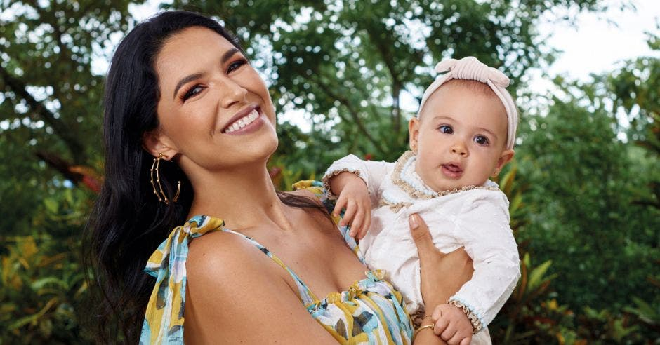 Johanna Ortiz con su bebé