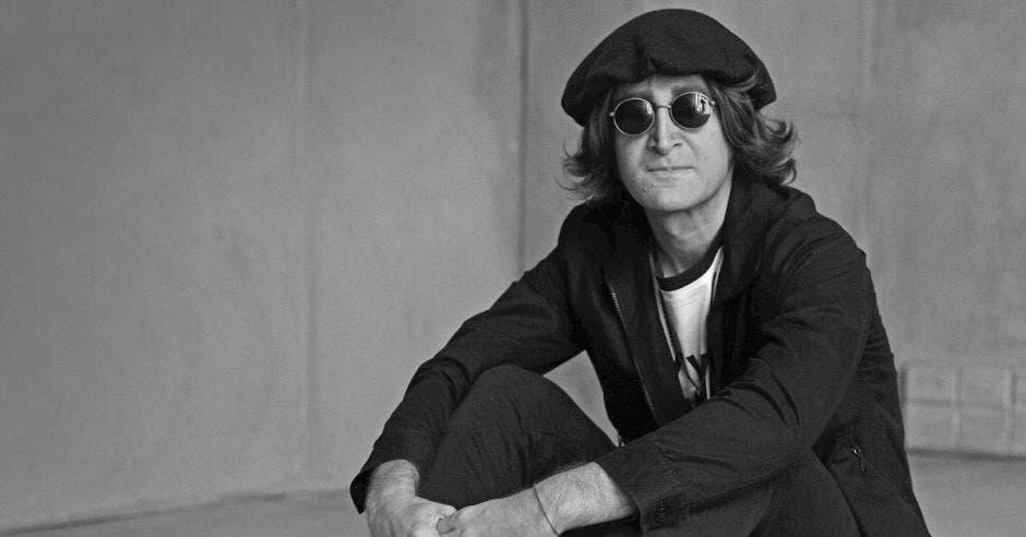 Imitador de John Lennon