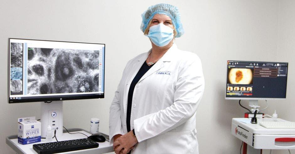 Josephine Hernández, especialista en dermatología