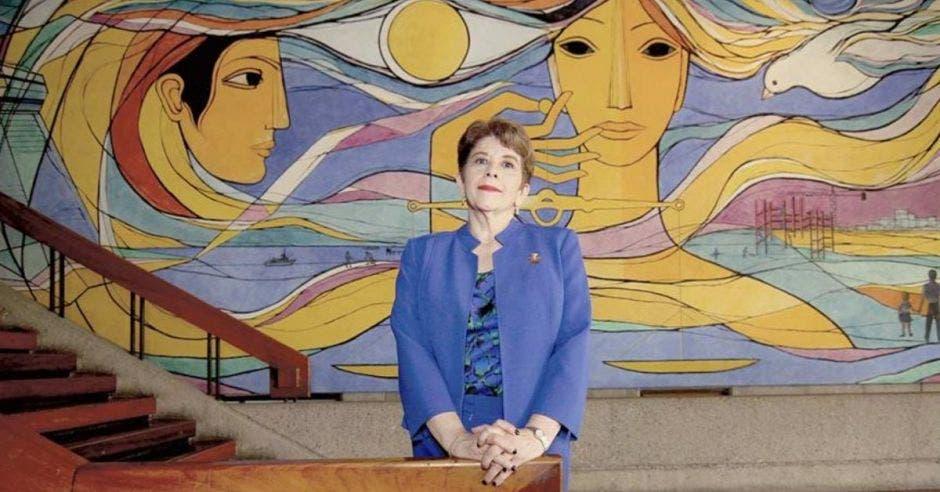 Marta Acosta, contralora
