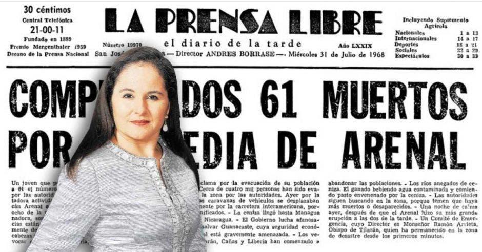 Vemos a Iary Gómez frente a periódicos