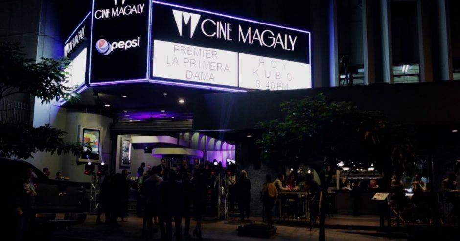Fachada del cine Magaly