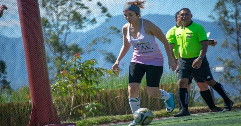 mujer futbol