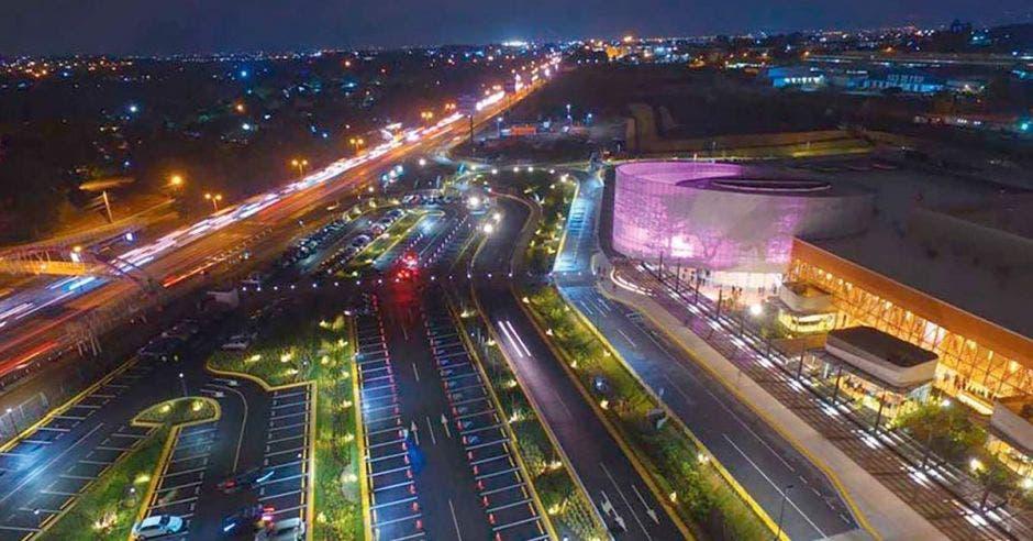 vista aérea del Centro de Convenciones de noche