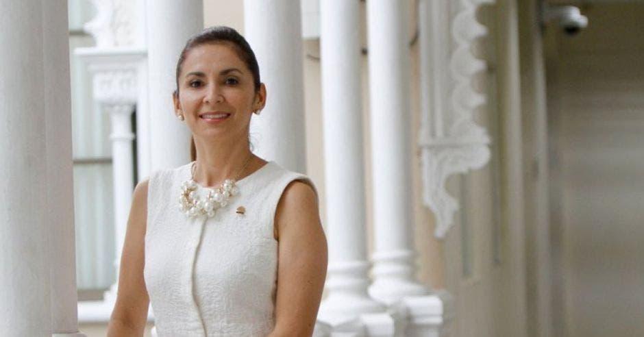 Silvia Hernández, diputada del PLN.