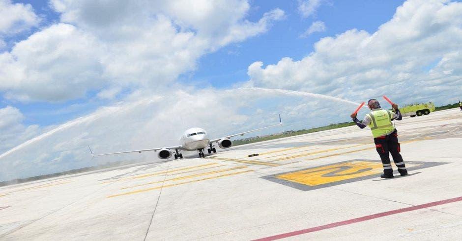 Llegada de vuelo a Guanacaste