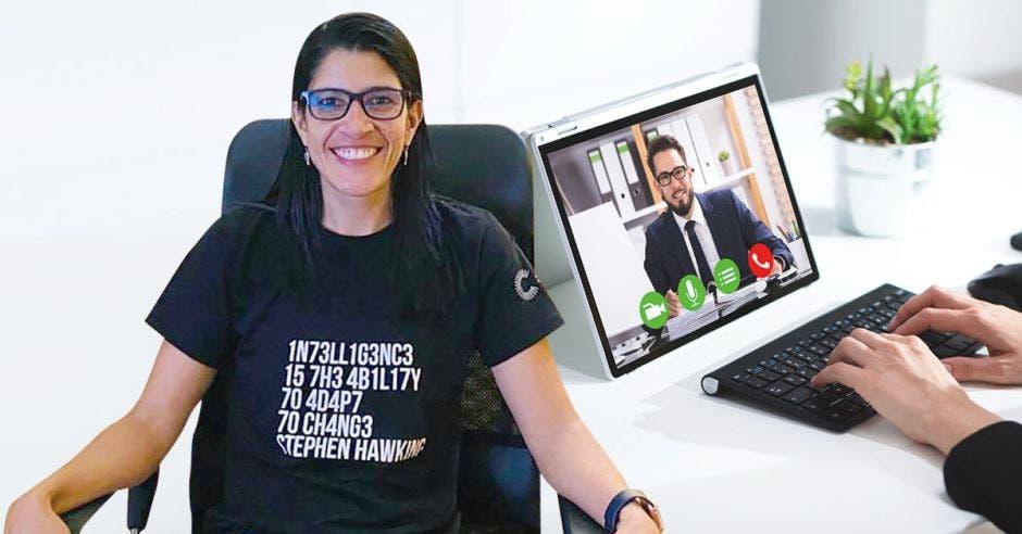 Karla Solano de Vida Estudiantil de la Universidad Cenfotec.